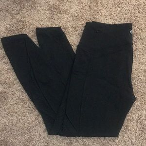 Lulu lemon Black legging with mesh and side pocket